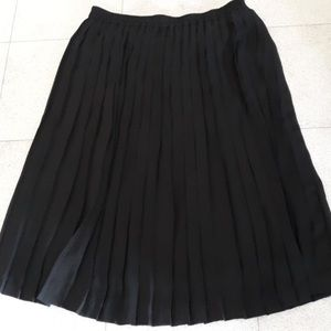 Alfred Dunner Black pleated skirt Size 20W
